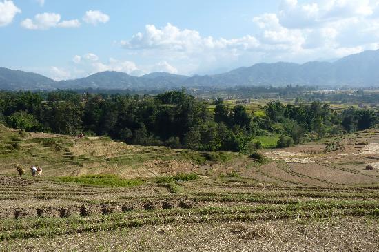 Bhaktapur, Nepal: Blick vom Dorf ins Kathmandu Tal