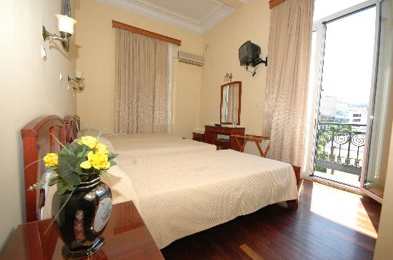 Cecil Hotel: Double room