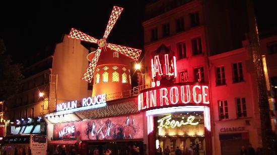 Mercure Hotel Near Moulin Rouge