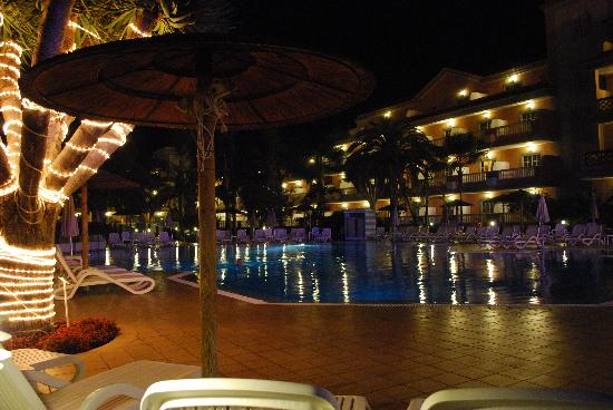 Hotel Riu Garoe: Swimming Pool Hotel