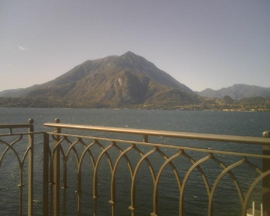 Varenna, İtalya: vista Menaggio