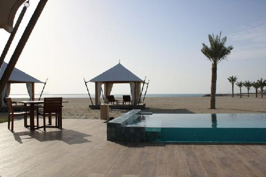 Banyan Tree Al Wadi: each villa has individual pool overlooking the beach