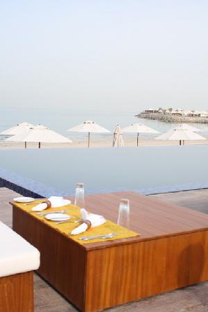 Banyan Tree Al Wadi: outdoor restaurant