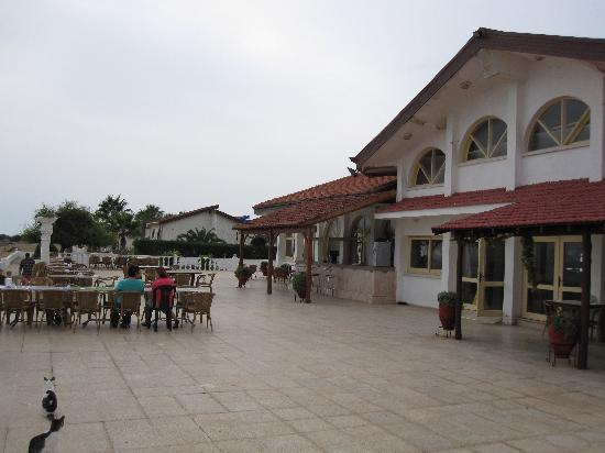 Long Beach Resort: Breakfast area - main hall/restaurant