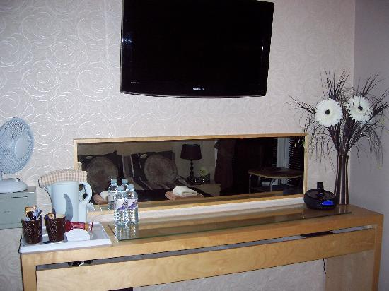 By The Seaside: Boutique Room (Huge wall mounted flat screen TV)