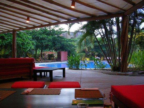 Cala Luna Luxury Boutique Hotel & Villas : poolside bar