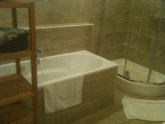 number 17 : Bathroom