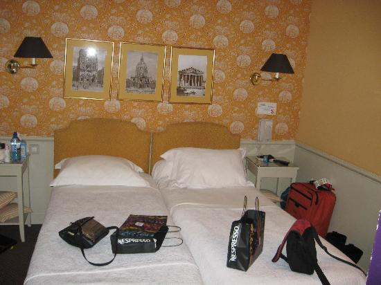 Hotel du Champ de Mars : our room #4 after a day's sightseeing and shopping