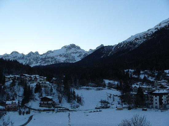 Andalo, Włochy: Il Brenta visto dall' Albergo