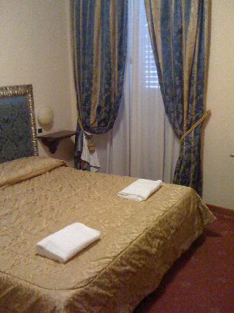 Hotel Dei Priori: CAMERA