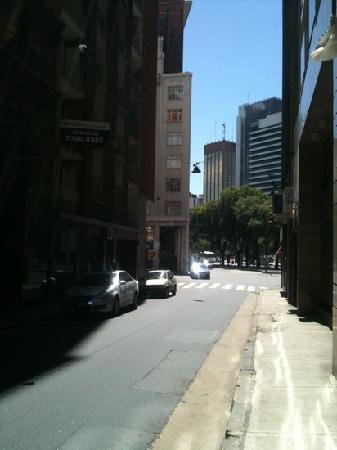 Regal Pacific Hotel Buenos Aires: vista a calle Córdoba
