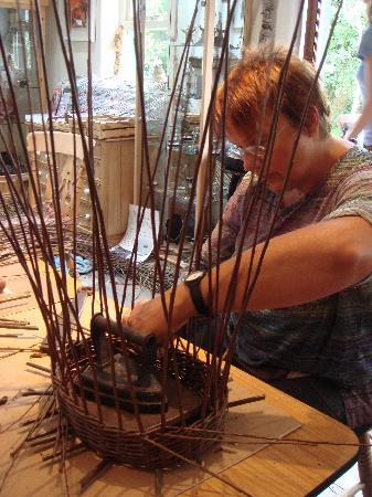 Derryaun Crafts: basket weaving workshop