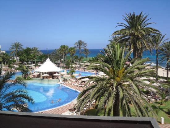 Hotel Riu Palace Tres Islas: The Pool bar view from our room