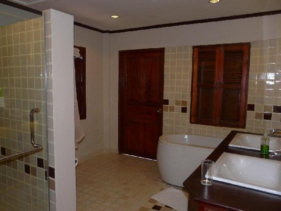 Hotel Villa Deux Rivieres: Bathroom