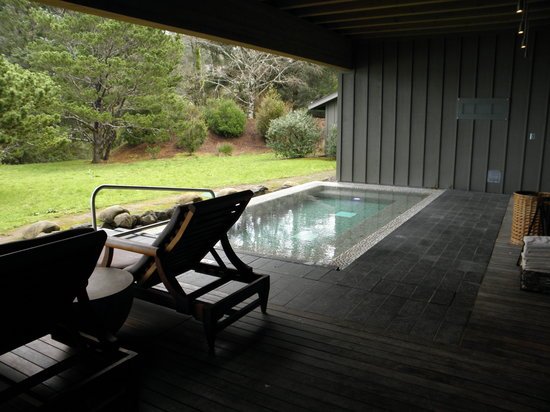 Salishan Lodge and Golf Resort Spa: Outdoor pool