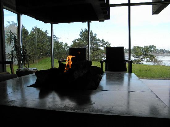 Salishan Lodge and Golf Resort Spa: Fire pit