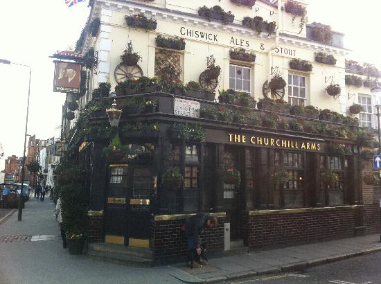 Hilton London Kensington : great Pub 10 min away