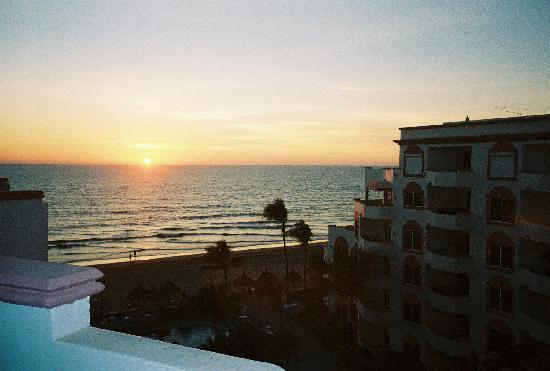 Costa Bonita Condominium & Beach Resort: The Sunset from our Balcony on the 6th floor