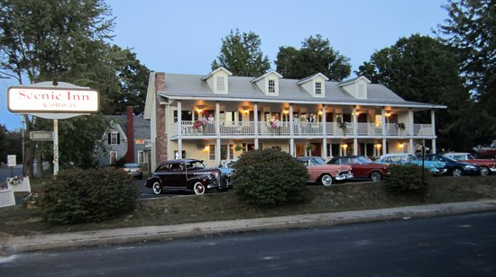 Scenic Inn of Conway: Classic Cars