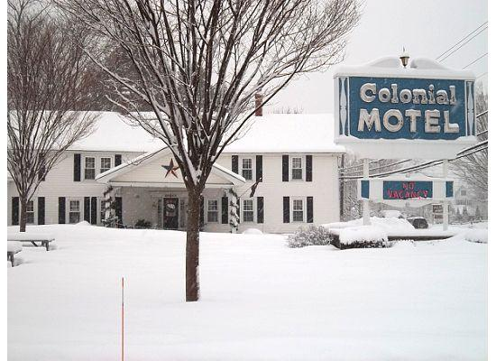 Colonial Motel: Perfectly Maintained!