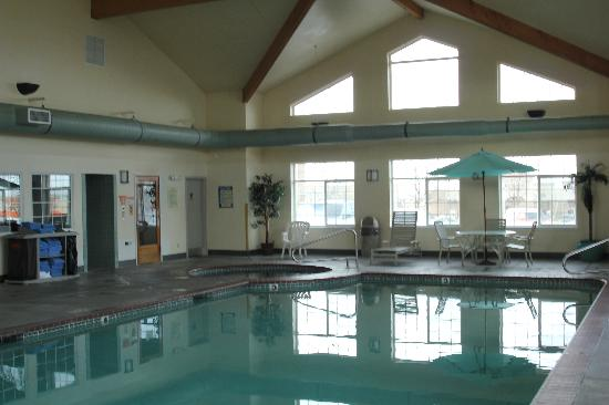BEST WESTERN PLUS Kennewick Inn : indoor pool open 24 hours with hot tub and dry sauna