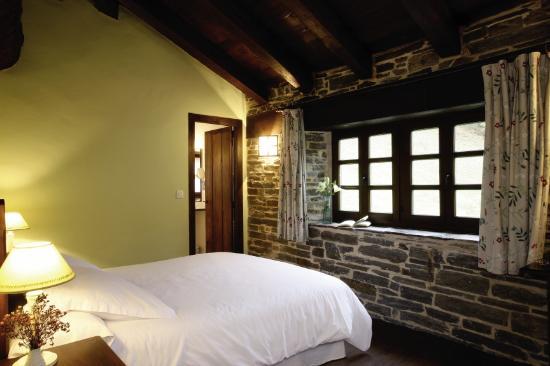 Hotel Casona Cantiga del Agueira: Habitación doble