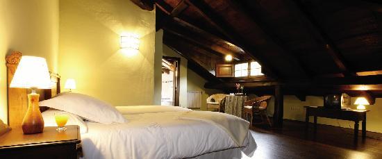Hotel Casona Cantiga del Agüeira: Buhardilla