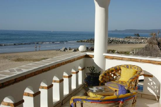 Casa de Ensuenos B & B: Breathtaking view from guest room balcony