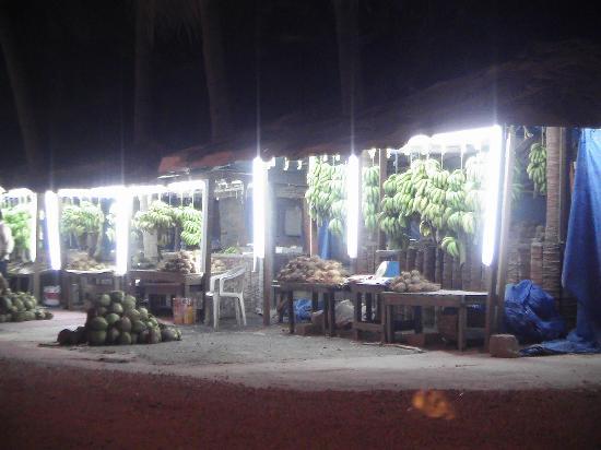 Salalah, Oman: Frisches Obst & Gemüse von der Straße