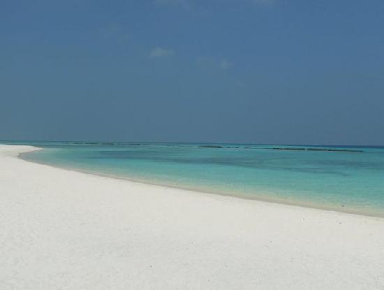 Summer Island Maldives: Traumstrand Ostseite