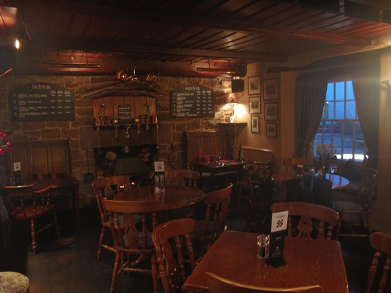 Restaurant at The Chequers Inn: Inside