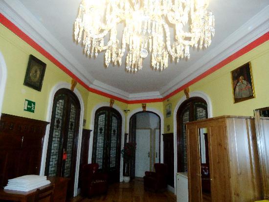 Hostal Alcazar Regis: El Lobby