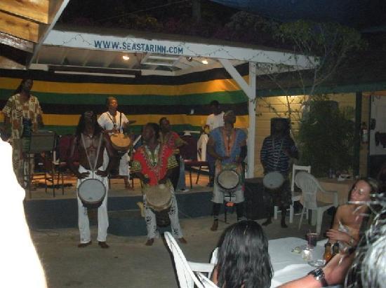 Seastar Inn: Seastar Drummers