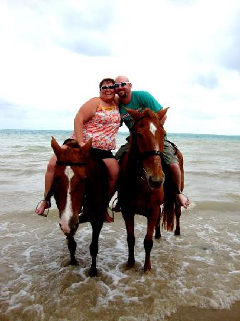 Hooves - Guided tours on horseback: Before we went swimming