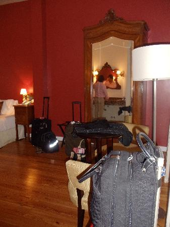 Magnolia Hotel Boutique: Other side of our room!