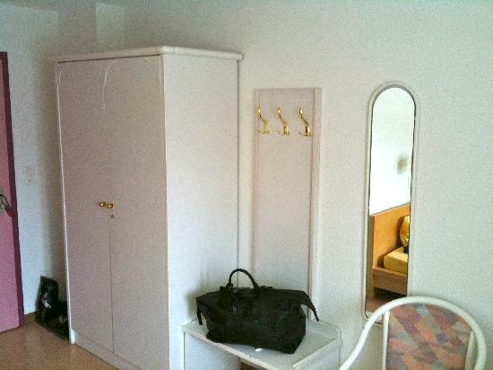 Spengler Hostel: Hotelzimmer 1