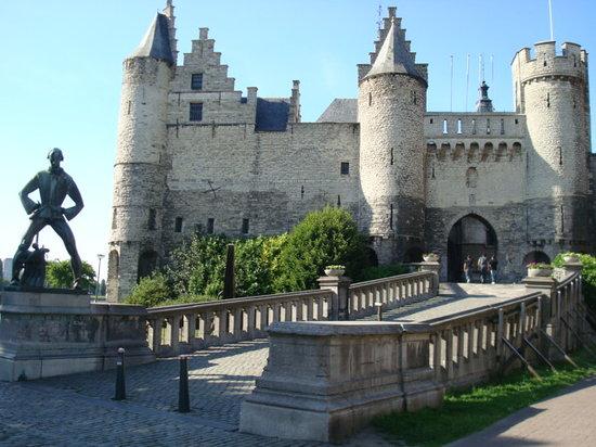 Anversa, Belgio: ステーン城
