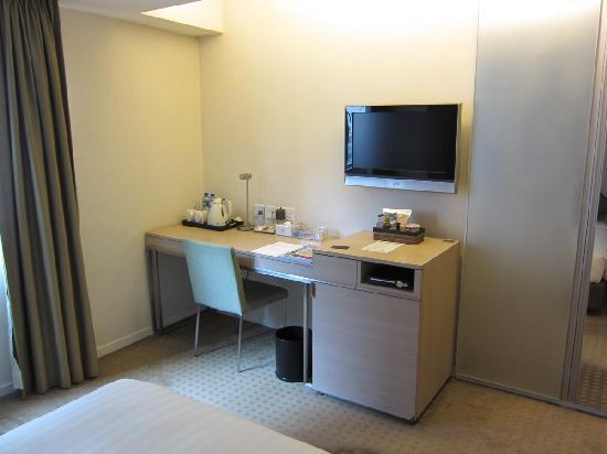 The Fleming, Hong Kong: Desk, TV