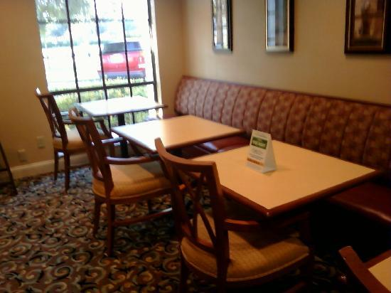 Comfort Inn Bonita Springs: Breakfast Area