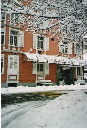 Hotel Central Kriens: Snow view
