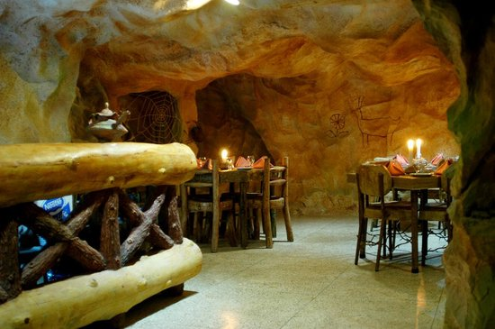 Guess the only STONEAGE themed restaurant in PAKISTAN with yummy