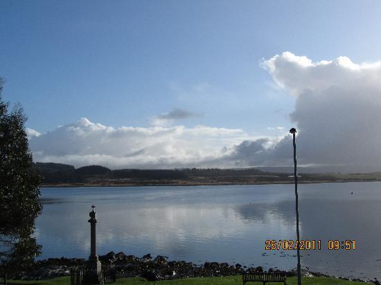 Grey Gull Inn: View towards Lochgilphead