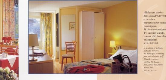 Logis Hôtel des Lacs : chambre