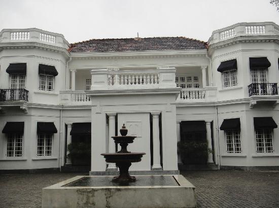 Paradise Road Tintagel Colombo: TIntagel Exterior
