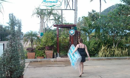 Lanta Mermaid Boutique House: Außendusche Hotel Mermaid