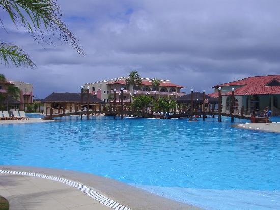 Grand Palladium Imbassaí Resort & Spa: Piscina