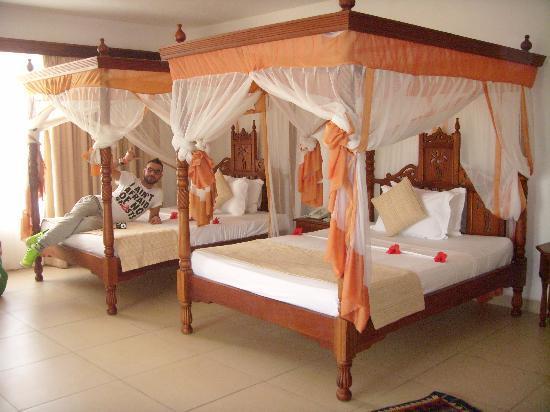 ... Zanzibar Beach Resort: doppio letto da una piazza e mezza (richiesto