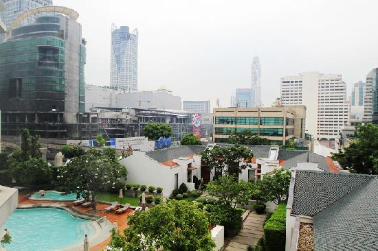 Grand Hyatt Erawan Bangkok : Swimming pool view from the room