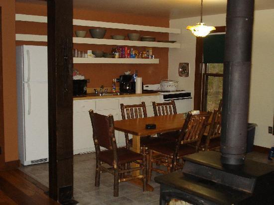 Abe Martin Lodge : kitchen area