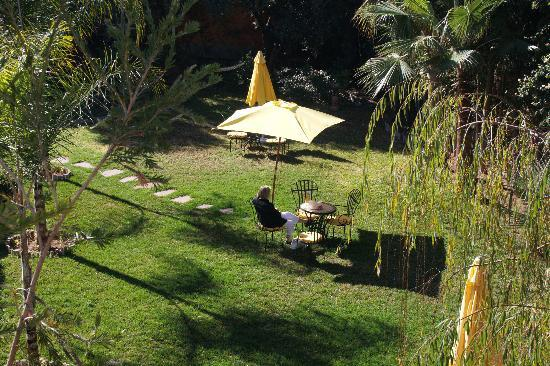Villa Guest & Spa : Front garden from terrace